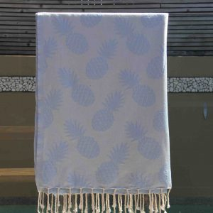 Towel with light blue pineapple design
