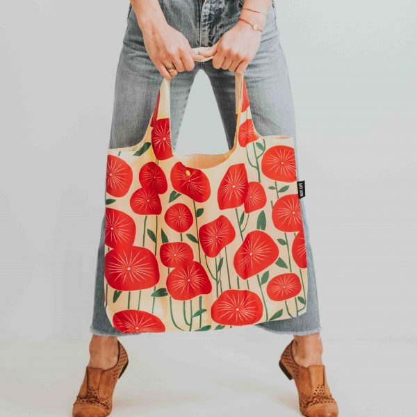 Reusable bag with poppies